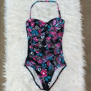 Anne Cole swimsuit size 6 like new!!